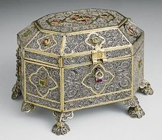 *Small casket Early 18th century India Silver, filigree, gilding, emeralds and rubies