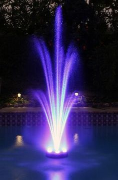 70 ideas for backyard wedding pool decor floating lights Backyard Wedding Pool, Backyard Pool Parties, Ponds Backyard, Pool Wedding Decorations, Pool Fountain, Fountain Lights, Fountain Ideas, Waterfall Fountain, Drinking Fountain