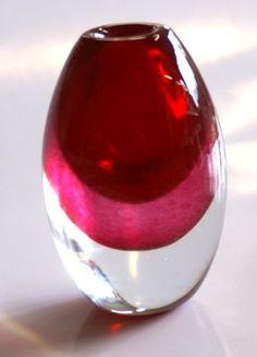 Bianco Blu - VASES, design Tarmo Maaronen, Fiskars, Finland Floor Vase Decor, Vases Decor, Floor Vases, Red Vases, White Vases, Clear Glass Vases, My Glass, Paper Vase, Round Vase
