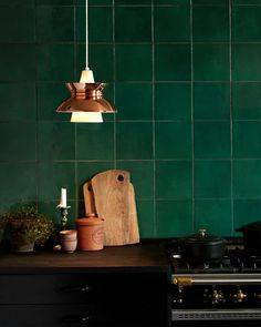 • NEWS • Doo-Wop in new metals • Polished Copper and Stainless Steel • Available now in stores and online •   #doowop #brass #stainlesssteel #kitchen #kitchendesign #louispoulsen #danishdesign #scandinaviandesign #light #lighting #interior #interiordesign  #licht #beleuchtung #interieur #dänischesdesign #skandinavischesdesign  #光 #照明 #インテリア #デザイン #デンマークデザイン #ルイスポールセン #北欧デザイン  #스칸디나비아디자인 #조명 #인테리어