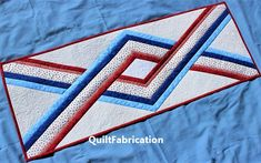 United table runner by QuiltFabrication Striped Table Runner, Quilted Table Runners, Easy Quilt Patterns, Star Patterns, Quilting Tutorials, Quilting Designs, Triangle Template, Patriotic Quilts, Patriotic Crafts
