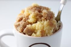 Mug recipes are fun to make, and fun to eat. I've put together a collection of amazing microwave desserts from around the web. These mug recipes are gorgeous, tasty, and can be prepared in just Brownie Desserts, Köstliche Desserts, Delicious Desserts, Dessert Recipes, Yummy Food, Tasty Snacks, Dessert Food, Mug Recipes, Sweet Recipes