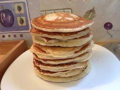 Pancakes (πανκέικς-βασική συνταγή) Pancake Cupcakes, Pancakes, Waffles, My Favorite Food, Favorite Recipes, Greek Desserts, Food Design, Soul Food, Sweet Recipes