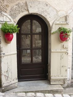 Greetings From Holland: Front Doors: Perigueux, France
