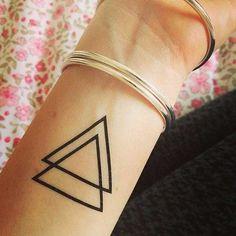 20 Fotos de Tatuagens de Triângulos: Desenhos   Significado!