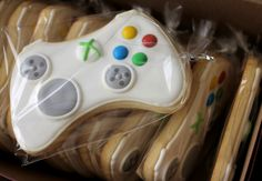 xbox games Xbox Game Controller Sugar Cookies -might need to do these. Royal Icing Cookies, Sugar Cookies, Cookies Bag, Birthday Games, Boy Birthday, Birthday Parties, Golden Birthday, Birthday Stuff, Birthday Ideas
