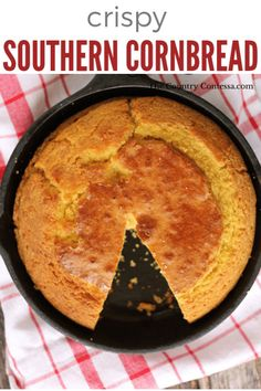 The crispy golden crust and tender crumb of the perfect cornbread baked in a cast iron skillet is a classic Learn how to do it here sugar is optional via feastandfarm Southern Cornbread Recipe, Best Cornbread Recipe, Honey Cornbread, Homemade Cornbread, Southern Recipes, Cast Iron Cornbread Recipe Without Buttermilk, Stove Top Cornbread, Southern Food, Cast Iron Skillet Cornbread