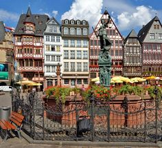 The Historic Old Town of Frankfurt, Germany | What to Do in Frankfurt in 3 Days