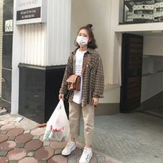 Fashion, Ulzzang fashion, Fashion outfits, Hijab f Korean Fashion Trends, Korea Fashion, Asian Fashion, Look Fashion, Korean Fashion Casual, Korean Street Fashion Summer, Casual Korean Outfits, Ulzzang Fashion, Hijab Fashion