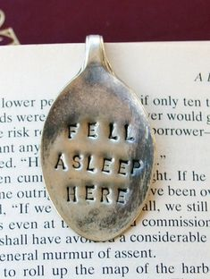 For bedtime Reading: Vintage Silver Tea Spoon Book Mark / Page by meDesignsbyMelanie Creative Bookmarks, How To Make Bookmarks, Diy Bookmarks, Bookmarks Quotes, Vintage Bookmarks, Bookmark Ideas, Creative Box, Crochet Bookmarks, I Love Books