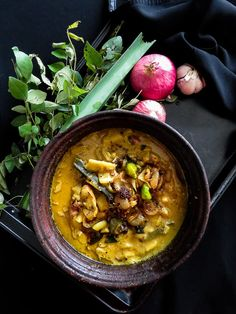 Made with creamy coconut milk, this popular Sri Lankan Jackfruit curry is a must try. Sri Lankan, Vegan, Vegetarian, gluten-free.