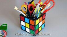 Pot à crayons Rubik's Cube.