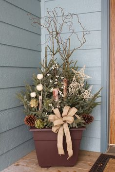 Explore Love Eat: DIY: Spruce Tip Porch Pot