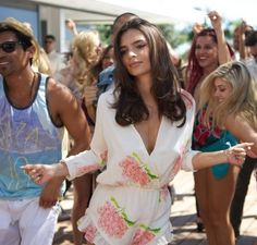 """Copy Emily Ratajkowski's Floral Print Romper From """"We Are Your Friends"""""""