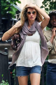Pregnant Street Style - the Fashion Spot