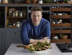 English chef, author and restaurateur Jamie Oliver offers the ultimate set of go-to recipes that are quick to prepare and easy to remember — perfect for those who love their grub, but don't have the time or energy for complicated cooking Jamie Oliver Quick And Easy Food, Jame Oliver, Jamie Oliver 5 Ingredients, Creamy Garlic Mushrooms, Green Spaghetti, Pak Choi, Lamb Shanks, Super Greens, Gastronomia