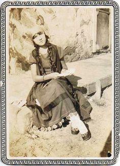 gypsy portrait @beautyofthepast