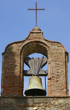 ☀ sinos e luzes - Church Bell Tower, Grimaud, Provence-Alpes-Cote d'Azure, FR