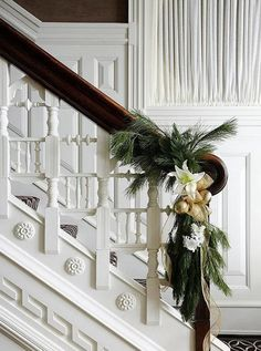 Elegant Chicago Holiday Home - Traditional Home® love the staircase! Magical Christmas, Beautiful Christmas, Simple Christmas, Christmas Home, Christmas Holidays, Xmas, Elegant Christmas Decor, Southern Christmas, Christmas Greenery