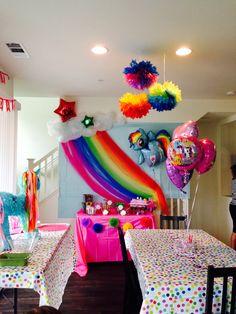 My little pony birthday party. Rainbow Dash Birthday, Rainbow Dash Party, My Little Pony Birthday Party, Girls Birthday Party Themes, Birthday Party Games, Unicorn Birthday Parties, 5th Birthday, Birthday Ideas, Cumple My Little Pony