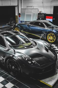 Pagani Huayra Carbon Edition (Black with matte black partial wrap) Pagani Huayra (Blue with yellow wheels)