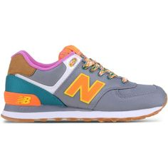 New Balance Low-Tops & Trainers (2,265 MXN) ❤ liked on Polyvore featuring shoes, sneakers, grey, flat sneakers, gray shoes, new balance footwear, new balance shoes and grey flat shoes