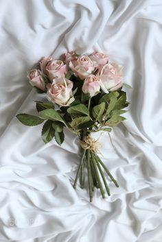 Pink Roses Silk flower on white background Flowers Nature, My Flower, Silk Flowers, Beautiful Flowers, White Flowers, Bild Gold, Wedding Bouquets, Wedding Flowers, Rosen Box