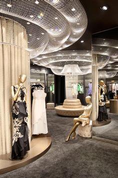 Galeries Lafayette department store, Jakarta, Indonesia designed by Plajer Franz Studio Boutique Interior, Retail Interior Design, Boutique Design, Design Blog, Store Design, Design Ideas, Visual Merchandising, Galeries Lafayette, Shops