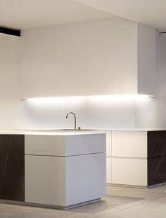 Dark granite + white corian kitchen. - Interior Design - Home Decor - #design #decor #interiordesign