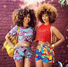 Natural hair and highlights. Natural hair and color. Curly fro. Afro curls. Curly Afro. Big hair. Curly girl. Curl friends. Blonde highlights. Blonde tips. Honey blonde curls.