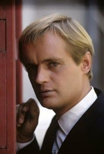 I have always felt David McCallum was an under-rated actor. He has serious talent, that has gone relatively unrecognized by everybody except NCIS fans. Anyway, I think he's awesome. The Man from U. Codename U.n.c.l.e, Radios, Ncis Tv Series, Royal Academy Of Music, Spy Shows, David Mccallum, The Man From Uncle, British Actors, Portraits