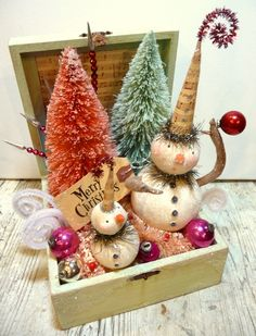 snowman box                                                                                                                                                                                 More