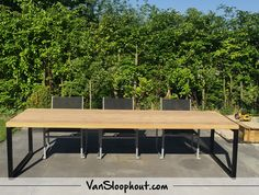 Tuintafel oude balken tafel met stalen 0-frame. #reclaimed #wood #sloophout #staal #industrieel #tuin #meubel