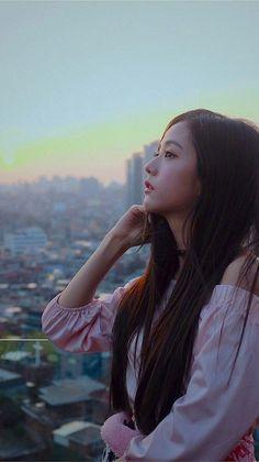 When your prettier than the view, can't relate🤪 Kpop Girl Groups, Korean Girl Groups, Kpop Girls, Blackpink Jisoo, Blackpink Photos, Pictures, Bts Kim, Black Pink Kpop, Blackpink Members