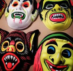 Who Remembers these cheap and cheerful masks for Halloween Retro Toys, Vintage Toys, 1960s Toys, Vintage Campers, Mascaras Halloween, Masque Halloween, Retro Halloween, Halloween Costumes, 90s Cartoons