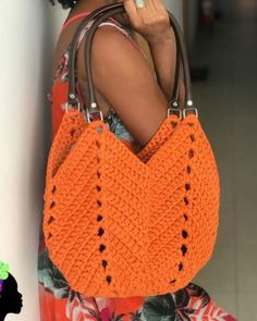 How to Make Knitted Yarn Bag: Step by Step Photos Free Crochet Bag, Crochet Baby, Knit Crochet, Crochet Handbags, Crochet Purses, Crochet Designs, Crochet Patterns, Granny Square Bag, Crochet Shoulder Bags