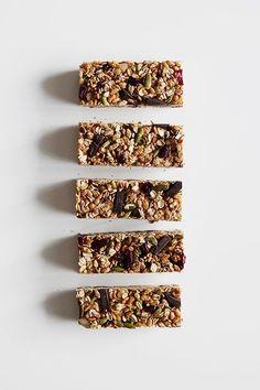 Granola Bars with Superfood Chocolate - The Fauxmartha