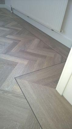 Pvc Flooring, Timber Flooring, Parquet Flooring, Wood Floor Design, Herringbone Wood Floor, Interior Design Inspiration, Interior Design Living Room, Tiled Wall Living Room, Community