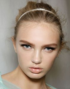 About Face! Hottest Spring Makeup Trends!