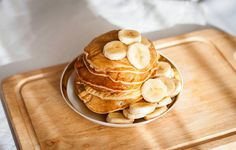 They're Paleo. And gluten-free. And...delicious.Getting your brunch game on lock takes finesse. Achieving a delicately frothy matcha latte? You need skills. Nailing the elusive poached egg? This one's not for novices. But perfecting the perfect pancake? That's oh so easy thanks to these two-ingredien