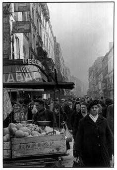 Henri Cartier-Bresson, Belleville, Paris, France, 1951. © Henri Cartier-Bresson/Magnum Photos.