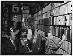 https://flic.kr/p/8o2qQm | [Portrait of Milt Gabler, Herbie Hill, Lou Blum, and Jack Crystal, Commodore Record Shop, New York, N.Y., ca. Aug. 1947] (LOC) | Gottlieb, William P., 1917-, photographer.  [Portrait of Milt Gabler, Herbie Hill, Lou Blum, and Jack Crystal, Commodore Record Shop, New York, N.Y., ca. Aug. 1947]  1 negative :  b&w ; 3 1/4 x 4 1/4 in.  Caption from Down Beat: Left to right: Milt Gabler, Herbie Hill, Lou Blum and Jack Crystal.  Notes:  Gottlieb Collection Assignment...