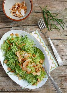 Italian recipes...    Insalata di cetriolo, frutta secca e spezie