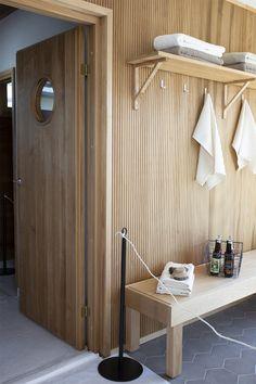 Condo Bathroom, Laundry In Bathroom, Bathroom Interior, Wood Interiors, Modern Rustic Interiors, Hot Tub Room, Sauna Design, Sauna Room, Home Spa