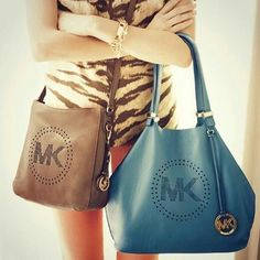 This needs to be my next bag,Michael Kors handbags! I'm in love with this MK handbag Outlet Online! Cheap Mk Bags, Cheap Michael Kors Bags, Michael Kors Handbags Outlet, Mk Handbags, Cheap Handbags, Purses And Handbags, Mk Bags Outlet, Designer Handbags Outlet, Designer Bags