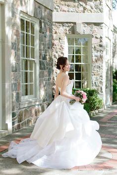 Venue: Graydon Hall Manor Photography: Mango Studios - mangostudios.com   Read More on SMP: http://www.stylemepretty.com/canada-weddings/2016/03/28/pretty-in-pink-romantic-garden-inspired-fall-wedding/