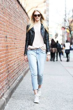 Light denim and leather for spring #streetstyle