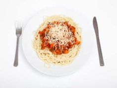 A Tip to Lose Weight Cooking Easy and Fast Lunch Meals - 32 Mondays Weight Loss Management Spicy Sausage Pasta, Healthy Snacks, Healthy Eating, One Meal A Day, Spaghetti Bolognese, Nutrition, Small Meals, Recipe Images, Daily Meals