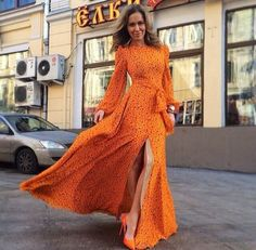 Choies Limited Edition Clockwork Orange Star Print Slit Maxi Dress---Hello minus the split in the front or to the knees Beauty And Fashion, 70s Fashion, Look Fashion, Fashion Models, Womens Fashion, Dress Fashion, African Fashion, Maxi Dress With Slit, Dress Skirt