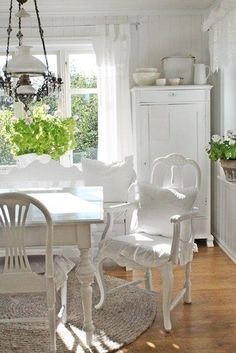 Shabby Chic/Vintage home decor